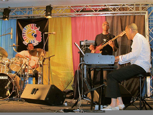 Surinamese Diaspora in prime form: drummer Harvey Wirht (USA), bass player Pablo Nahar (Suriname) and keyboard player Robin van Geerke (the Netherlands)